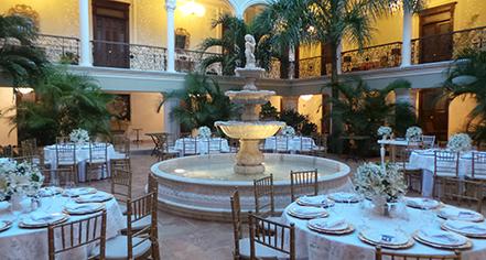 Meetings at      Mansion Merida On the Park  in Merida
