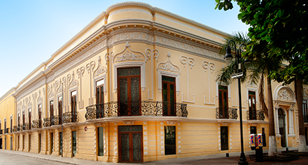 Mansion Merida On the Park  in Merida
