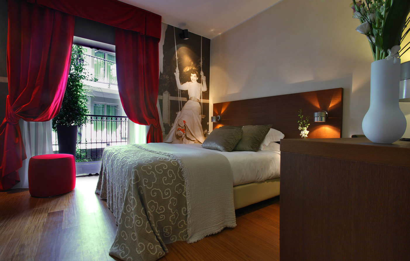 Accommodations:      Hotel Milano Scala  in Milan