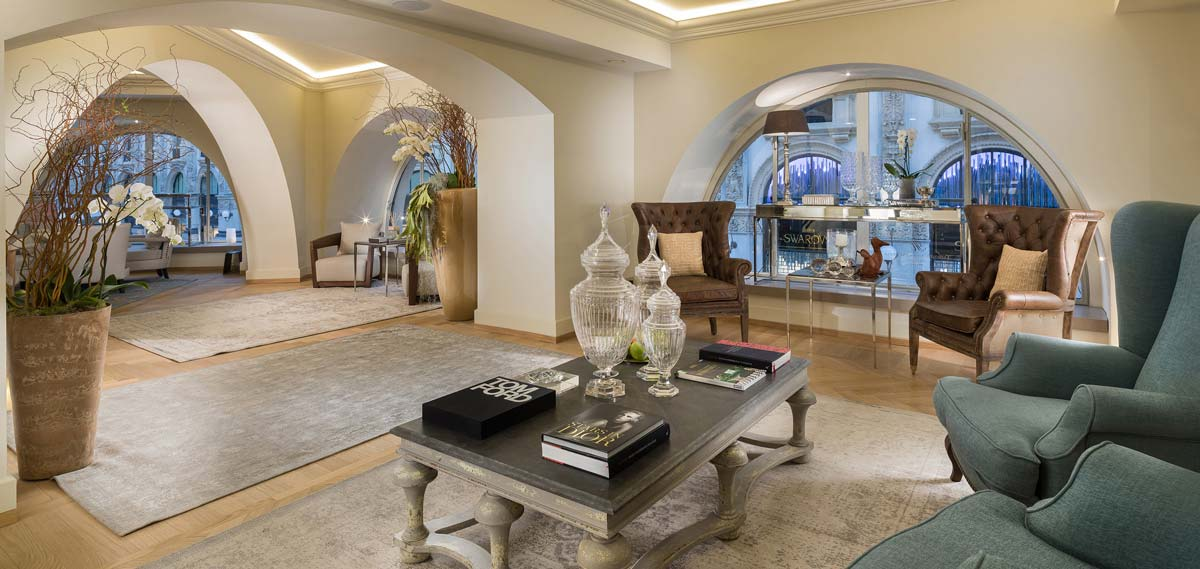 Special Offers:      TownHouse Galleria  in Milan