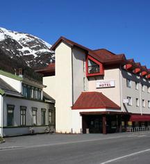 Local Attractions:      Fru Haugans Hotel  in Mosjoen