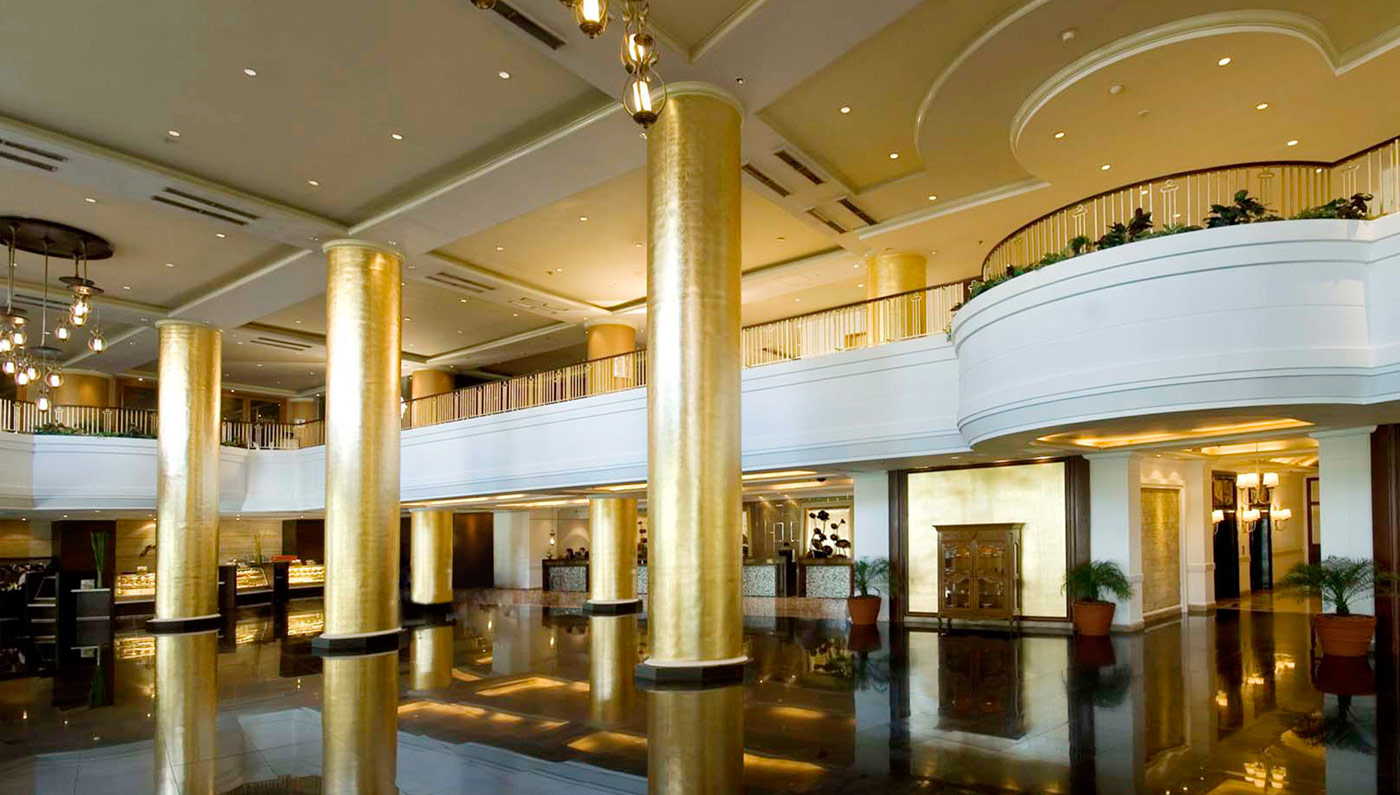 Dining:      Dusit Thani Manila  in Manila