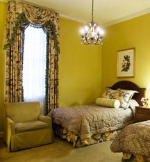 Accommodations:      Bienville House  in New Orleans