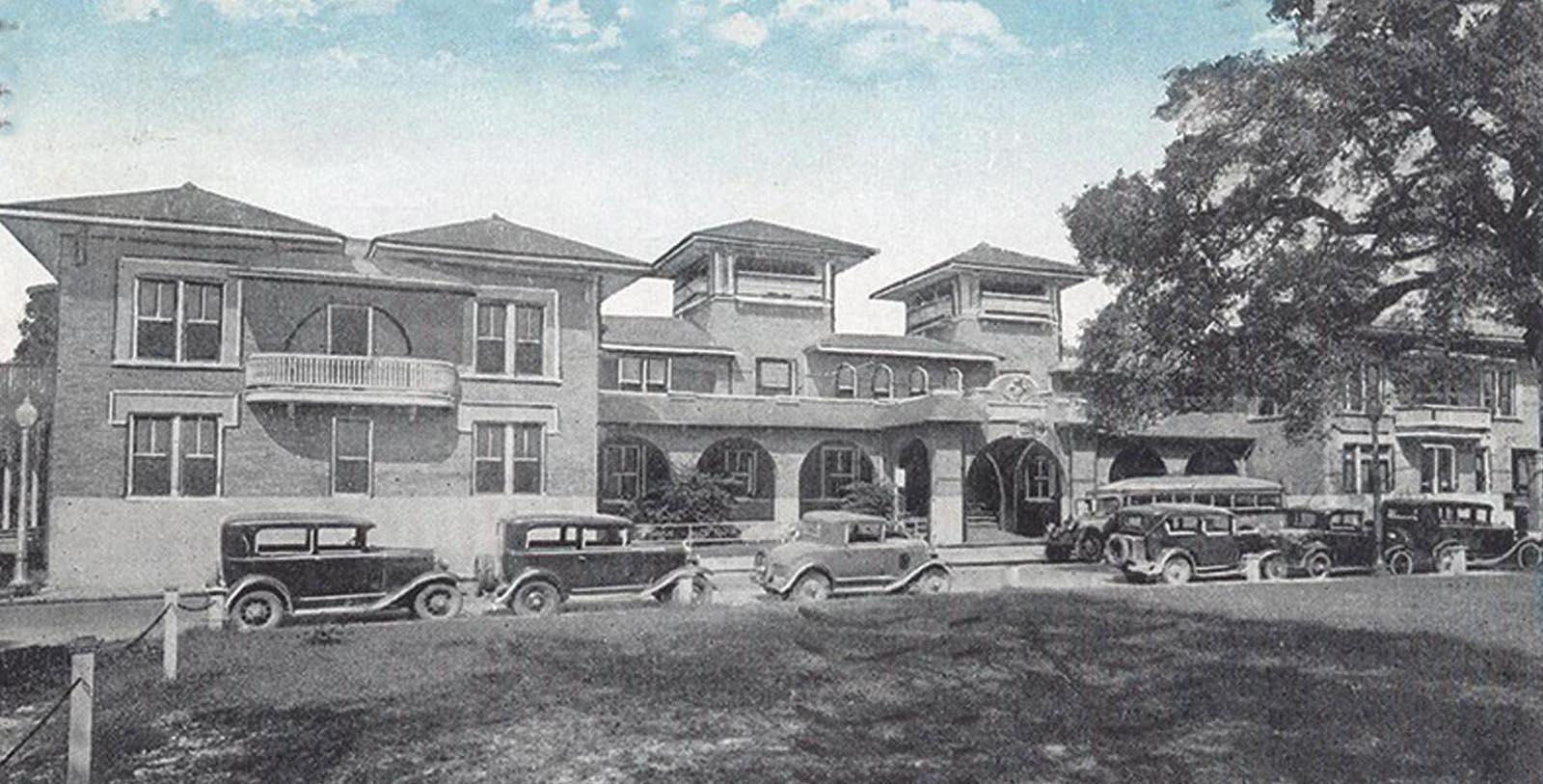 Historic Image of Exterior Southern Hotel, 1907, Member of Historic Hotels of America, in Covington, Louisiana, Discover