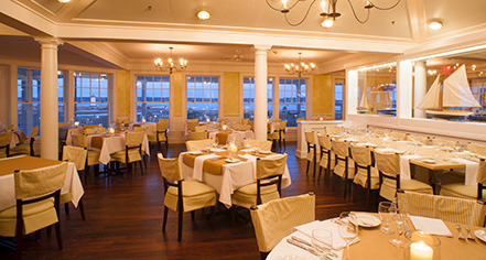 Dining at      Harbor View Hotel of Martha's Vineyard  in Edgartown