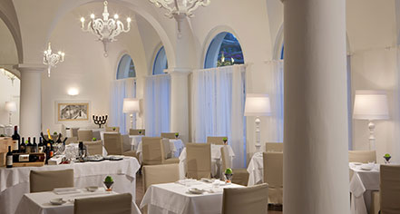 Dining at      NH Collection Grand Hotel Convento di Amalfi  in Amalfi