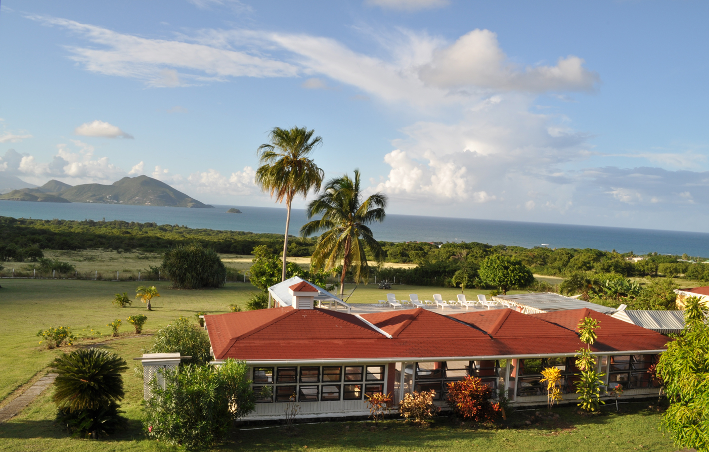 Special Offers:      The Mount Nevis Hotel  in Newcastle