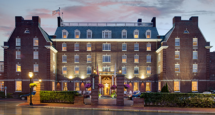 The Hotel Viking  in Newport