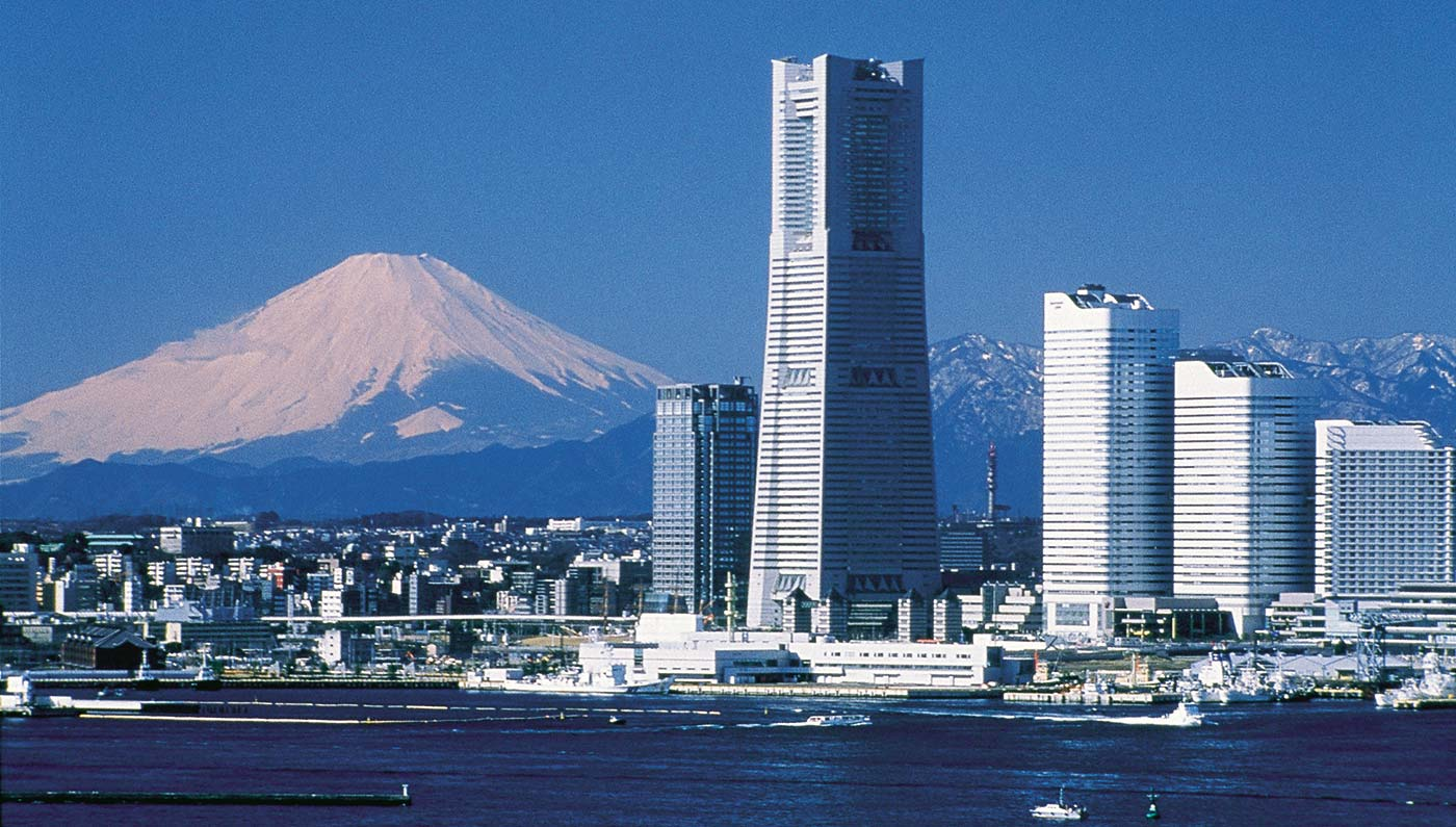 Yokohama Japan  city pictures gallery : Mt. Fuji overlooking Yokohama : pics