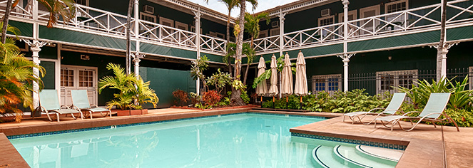 Activities:      Pioneer Inn  in Maui/Lahaina