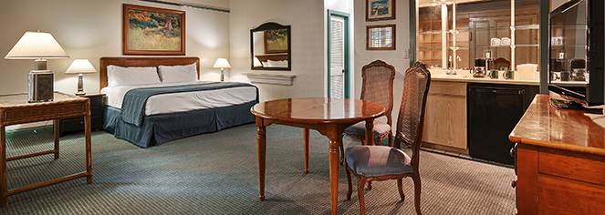 Accommodations:      Pioneer Inn  in Maui/Lahaina