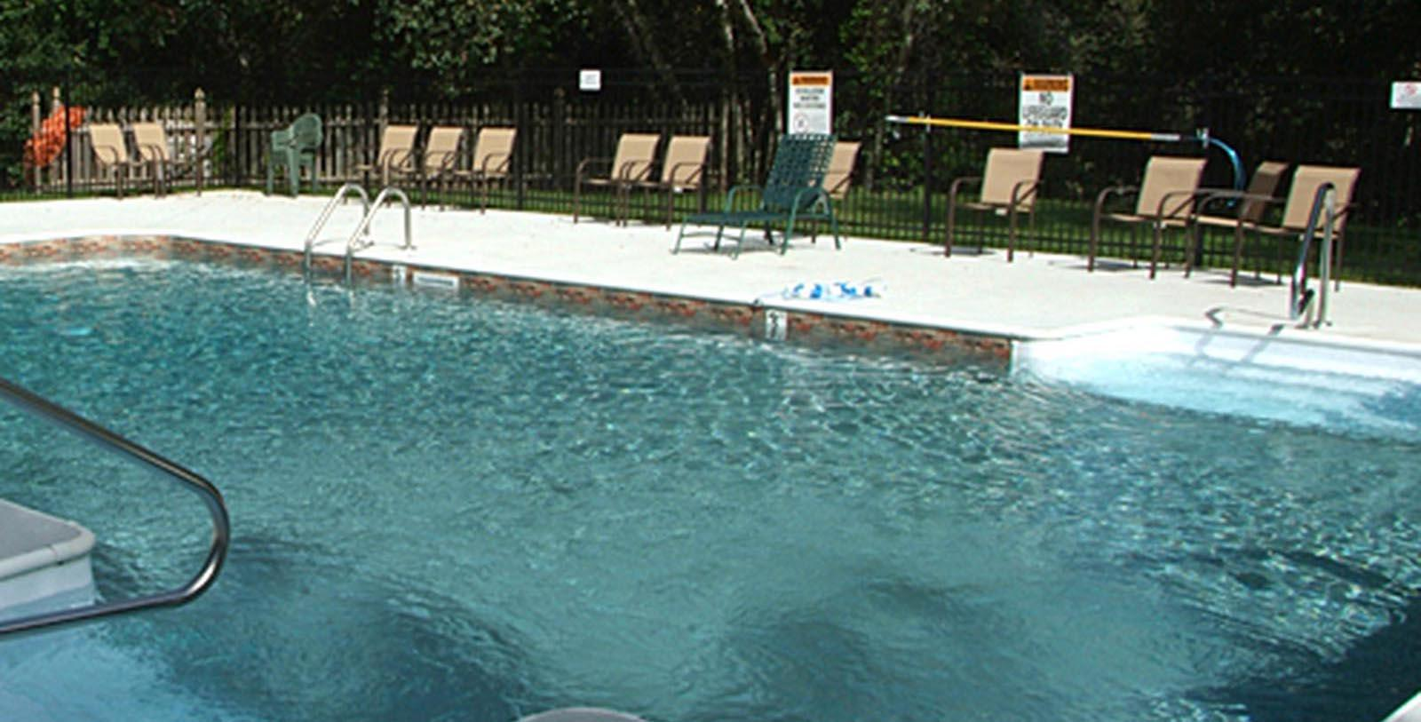 Image of Pool Publick House Historic Inn, 1771, Member of Historic Hotels of America, in Sturbridge, Massachusetts, Explore