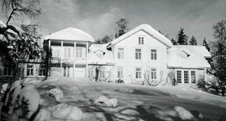History:      Losby Gods  in Finstadjordet