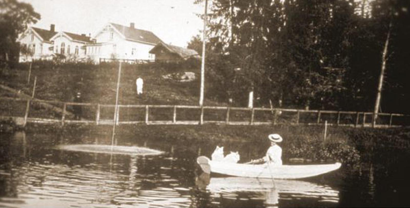 Historic Image of Guest on a Boat Losby Gods, 1744, Member of Historic Hotels Worldwide, in Finstadjordet, Norway, Discover
