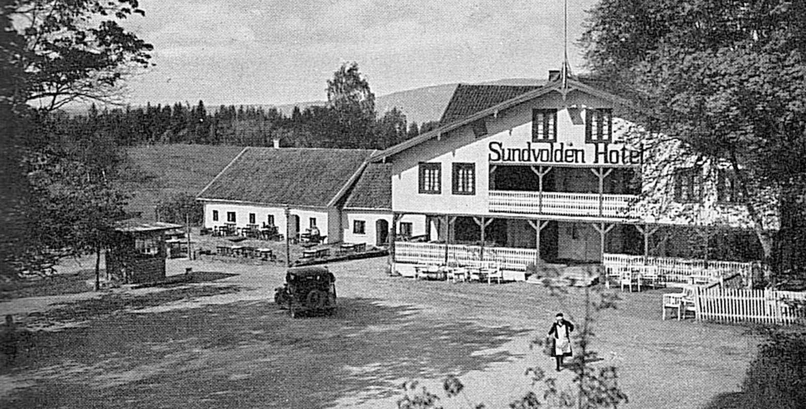 Historic Image of Hotel Exterior Sundvolden Hotel, 1648, Member of Historic Hotels Worldwide, in Krokkleiva, Norway, Discover