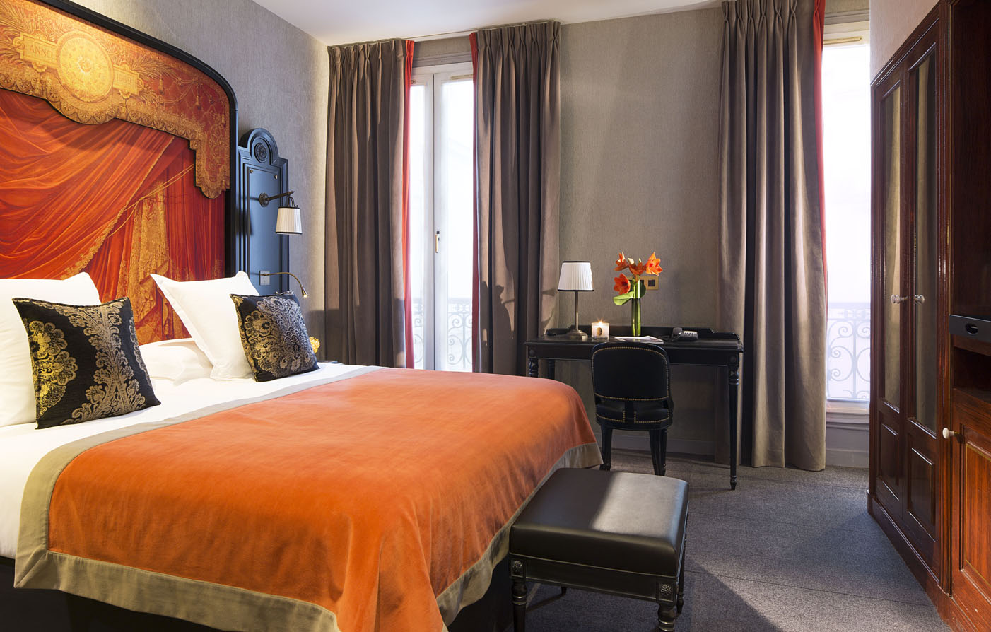 Accommodations:      Belmont Champs Elysees  in Paris