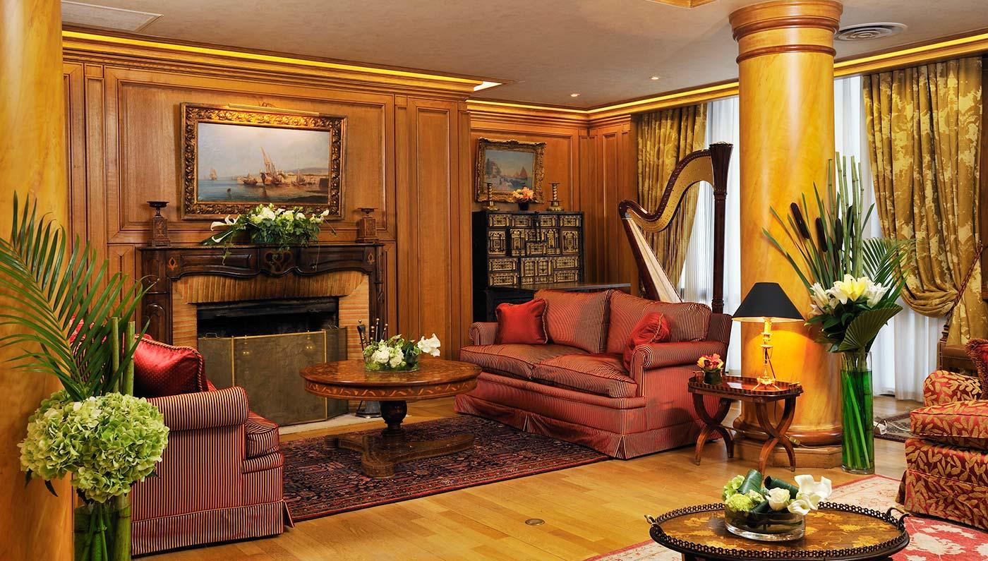 Luxury boutique hotels in paris hotel de vigny for Paris boutiques hotels