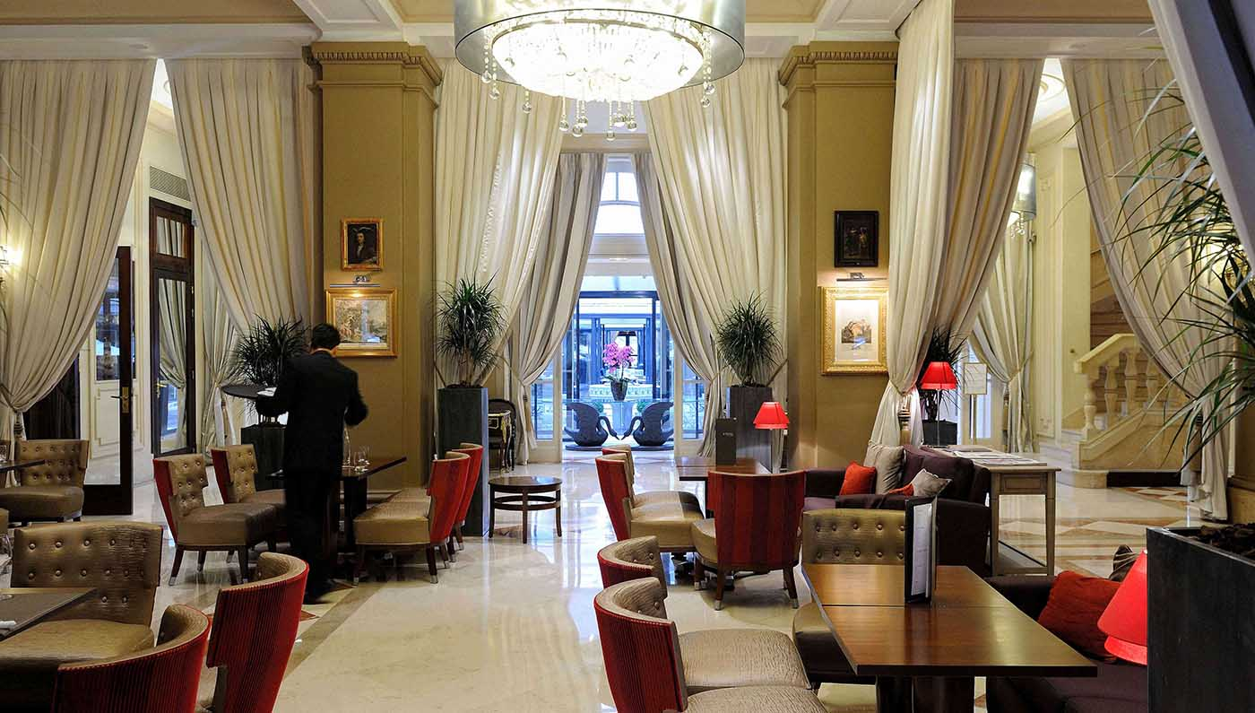 Hotel california paris champs elysees luxury paris hotel for Luxury hotels paris france