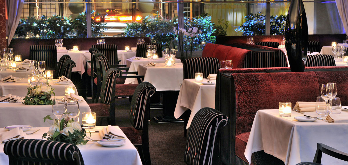 Dining:      Hotel du Collectionneur Arc de Triomphe Paris  in Paris