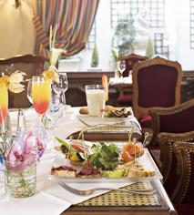 Dining at Hotel Regina in Paris