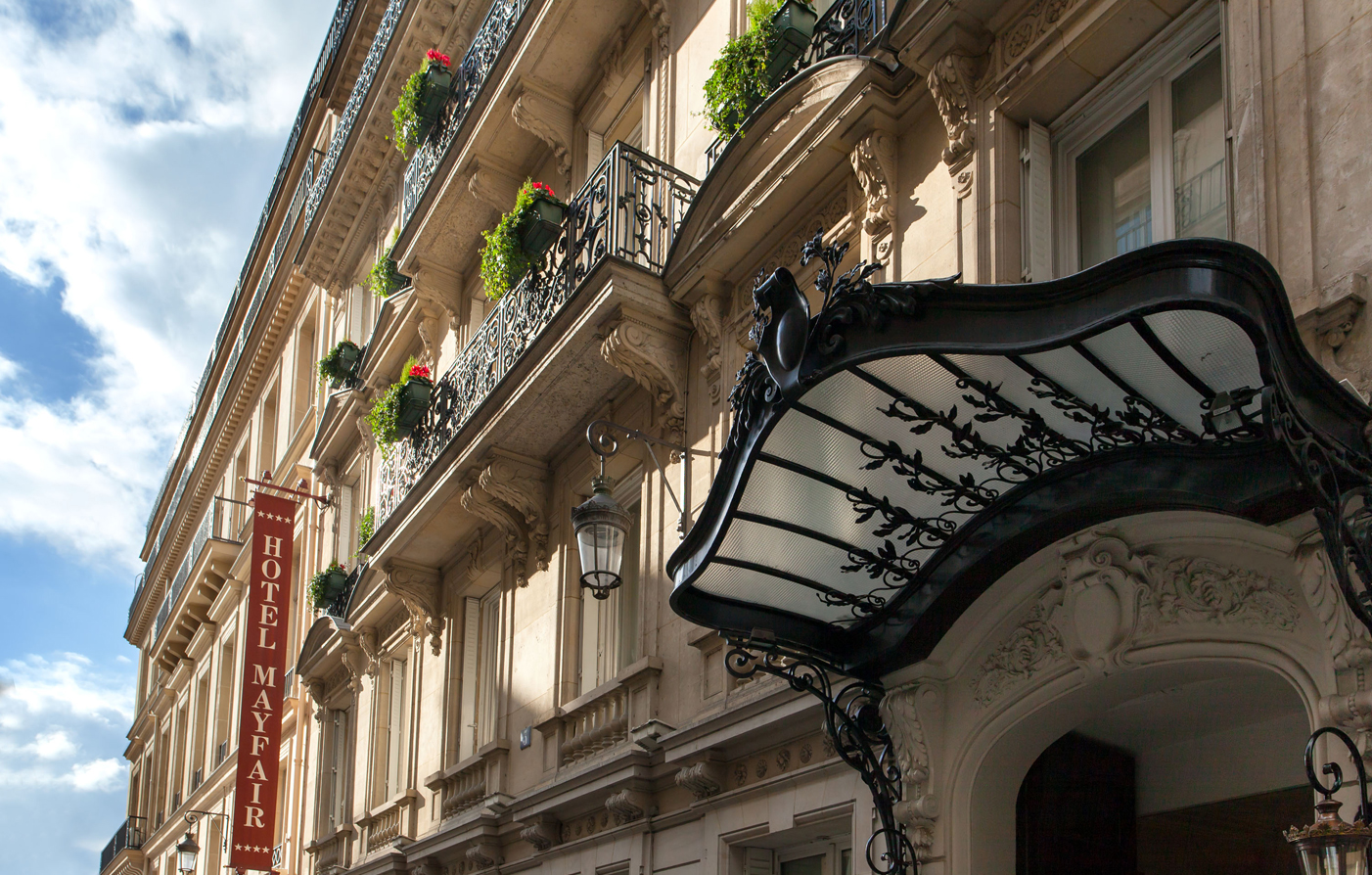 Hotel mayfair is in a prime location in paris historic for Paris hotel address