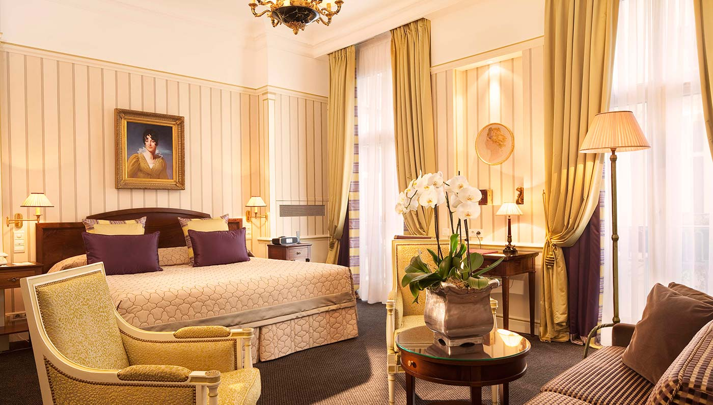 Five star paris hotel hotel naplean paris luxury paris for Hotel design france