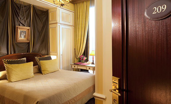 Hotel Napoleon Paris  - Accommodations