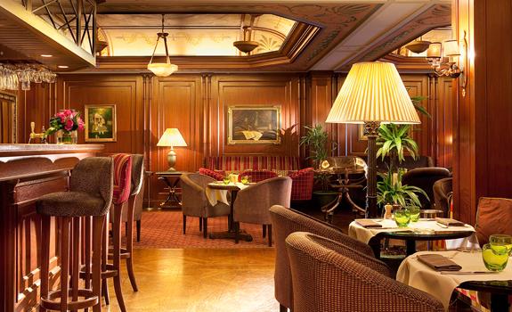Five star paris hotel naplean luxury