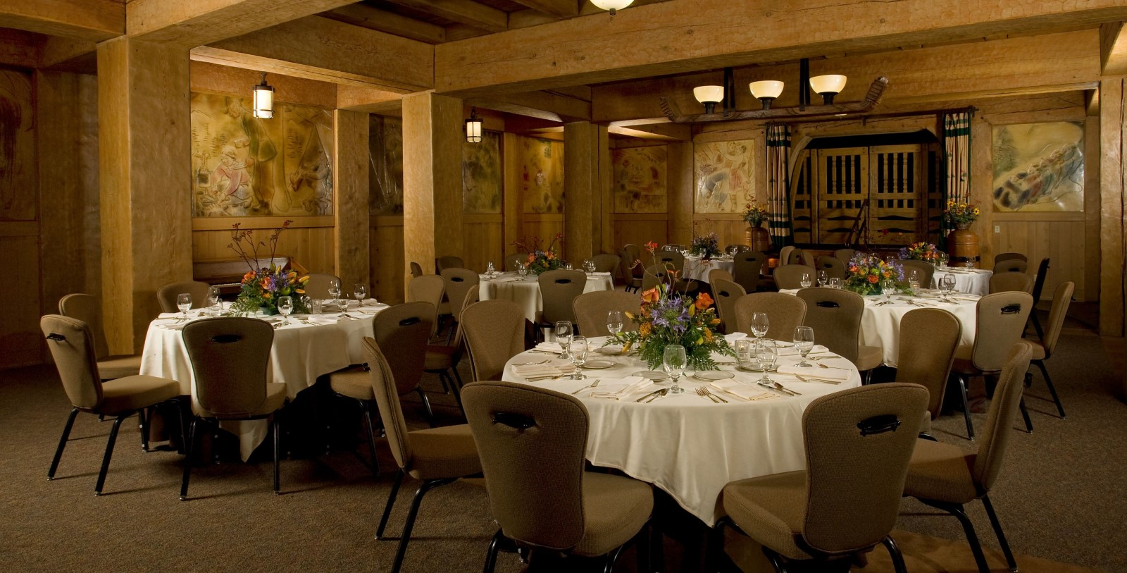 Image of the Barlow Room at Timberline Lodge