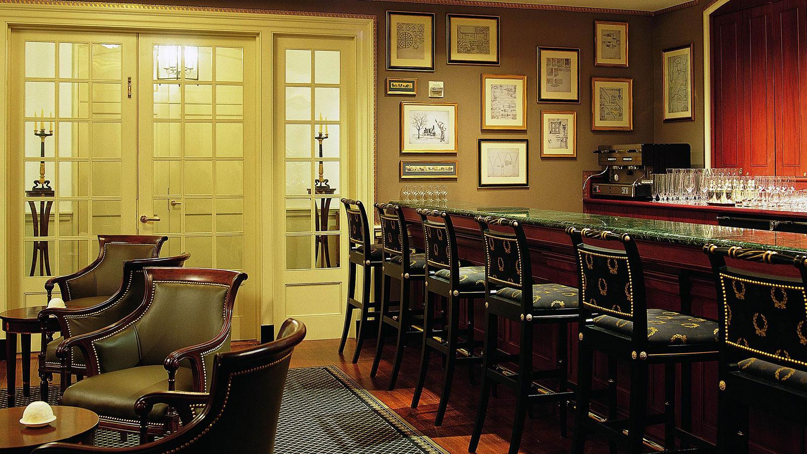 Image of King Arms tavern Williamsburg Inn, 1937, Member of Historic Hotels of America, in Williamsburg, Virginia,Taste