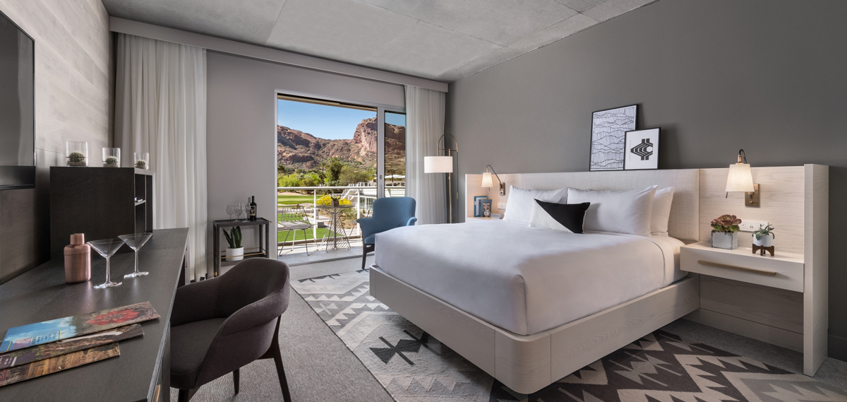 Accommodations:      Mountain Shadows  in Scottsdale