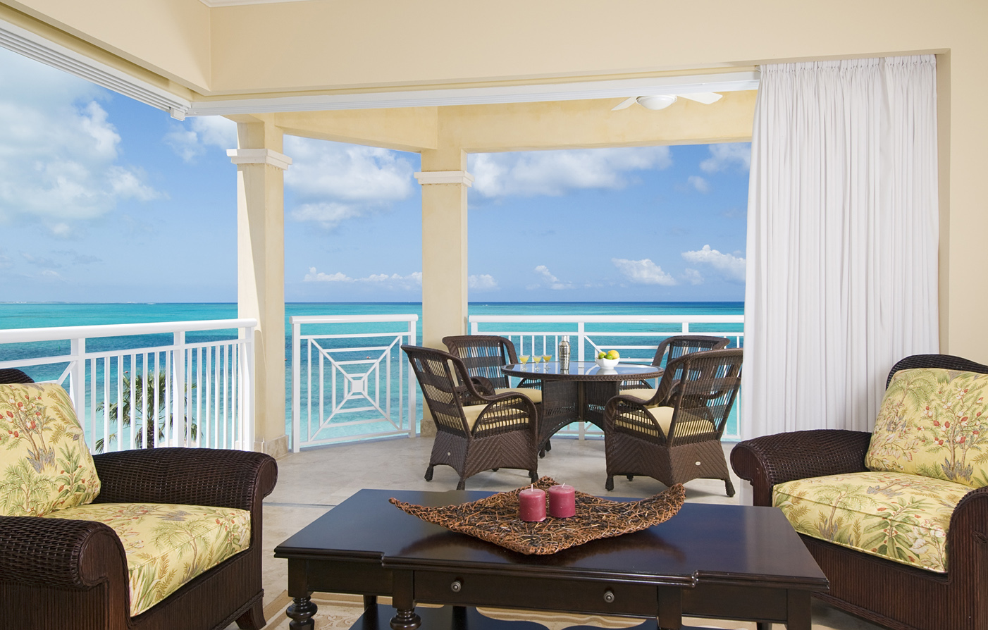 Customer Reviews:      Windsong Resort  in Providenciales