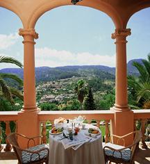 Dining at      Gran Hotel Son Net  in Puigpunyent