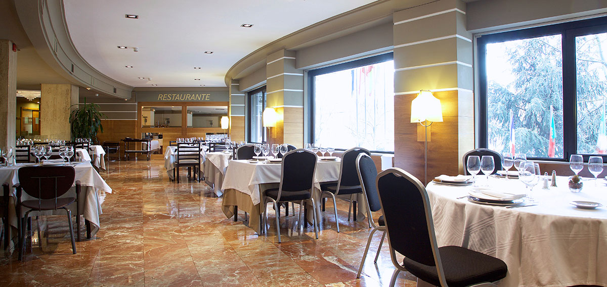 Dining:      Hotel Tres Reyes Pamplona  in Pamplona
