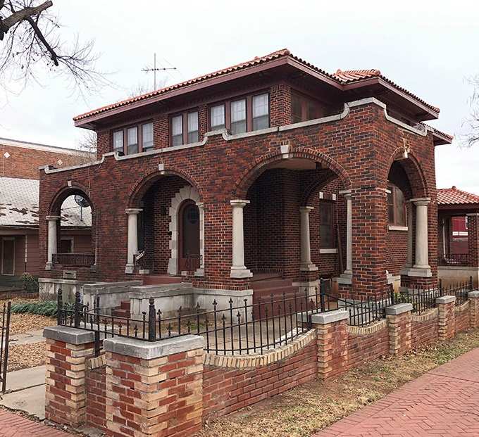 Historic Lyons Mansion