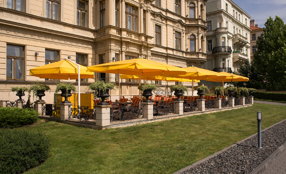 Five star prague hotel le palais art hotel prague for 5 star hotels in prague