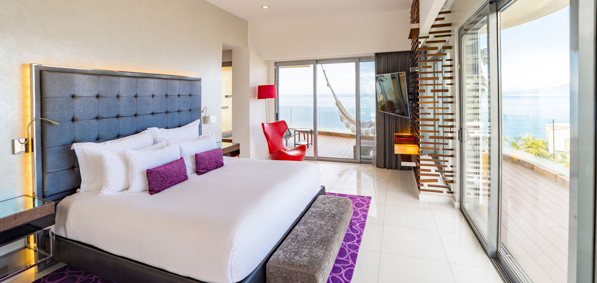 Accommodations:      Hotel Mousai  in Puerto Vallarta