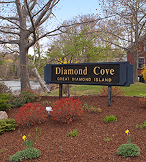 Local Attractions:      The Inn at Diamond Cove  in Portland