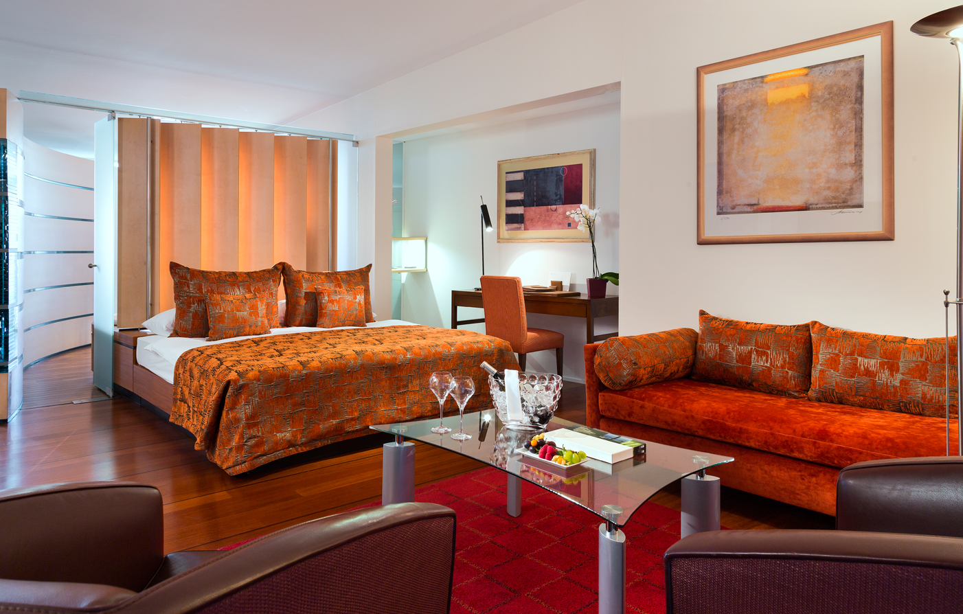 Accommodations:      Hotel Palafitte  in Neuchatel