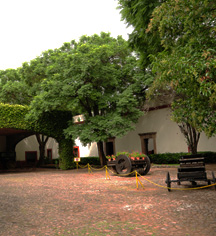 Local Attractions:      Hacienda Jurica by Brisas  in Queretaro
