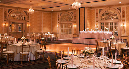 Weddings The Hotel Roanoke Conference Center Curio A Collection By Hilton In