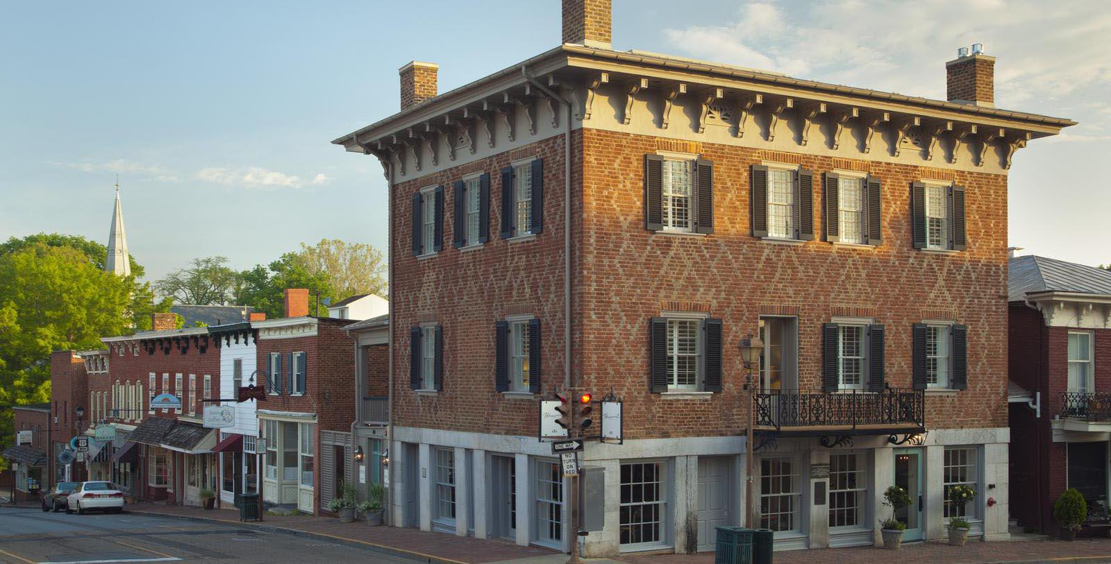 Image of Entrance The Georges, 1789, Member of Historic Hotels of America, in Lexington, Virginia, Special Offers, Discounted Rates, Families, Romantic Escape, Honeymoons, Anniversaries, Reunions