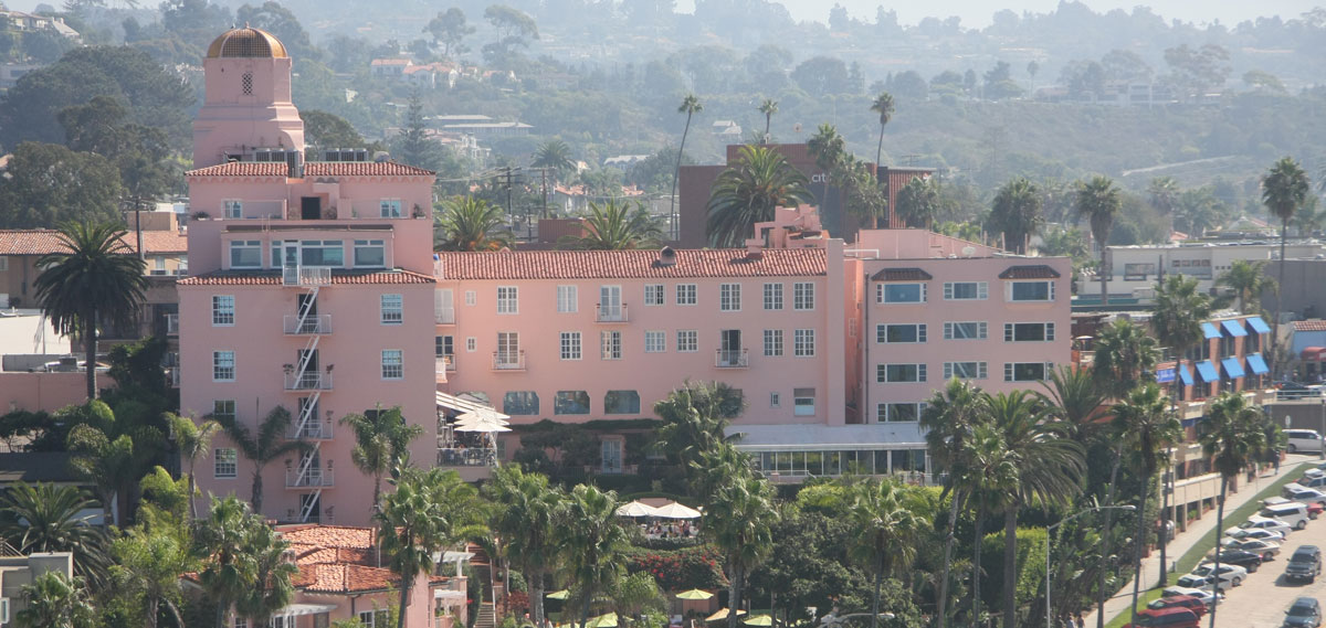Customer Reviews:      La Valencia Hotel  in La Jolla/San Diego