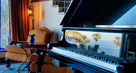 Event Calendar:      La Valencia Hotel  in La Jolla/San Diego