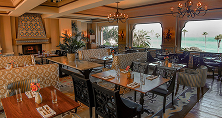 Dining at      La Valencia Hotel  in La Jolla/San Diego