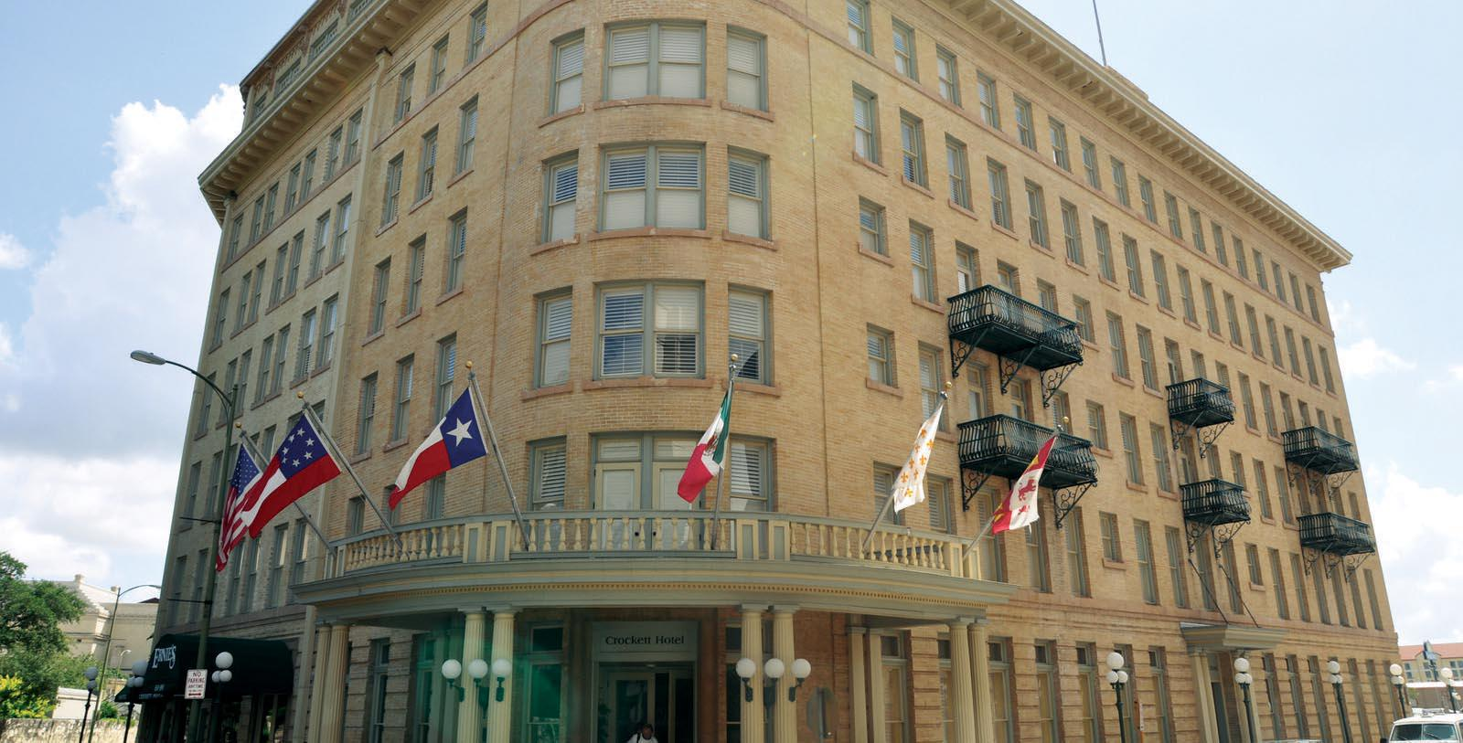 Image of Entrance The Crockett Hotel, 1909, Member of Historic Hotels of America, in San Antonio, Texas, Special Offers, Discounted Rates, Families, Romantic Escape, Honeymoons, Anniversaries, Reunions