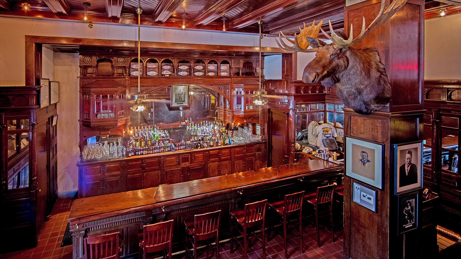 Image of the Menger Bar of the Menger Hotel in San Antonio, Texas