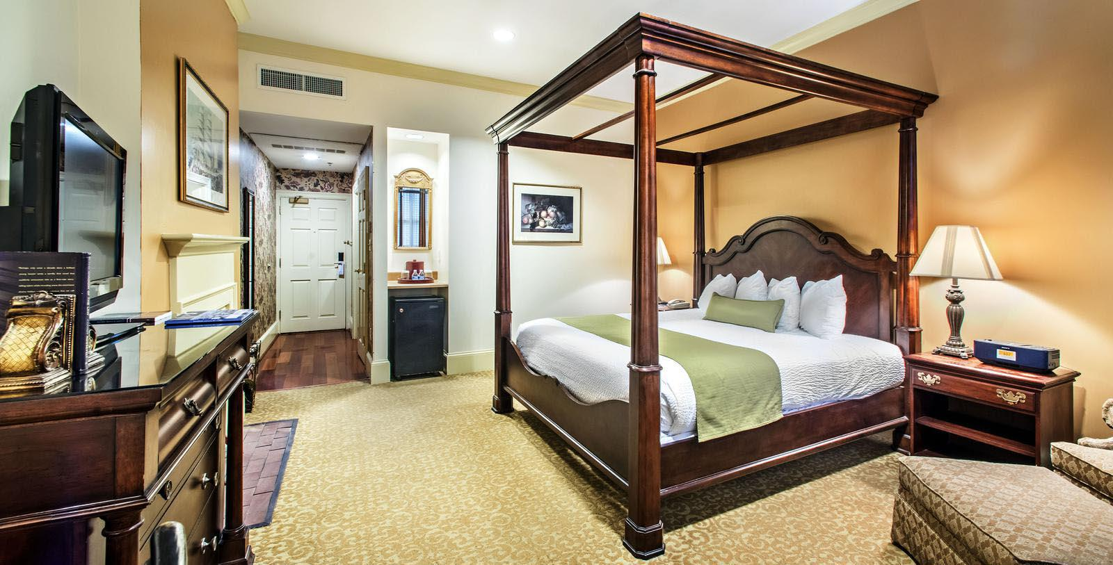 Image of Guestroom River Street Inn, 1817, Member of Historic Hotels of America, in Savannah, Georgia, Location
