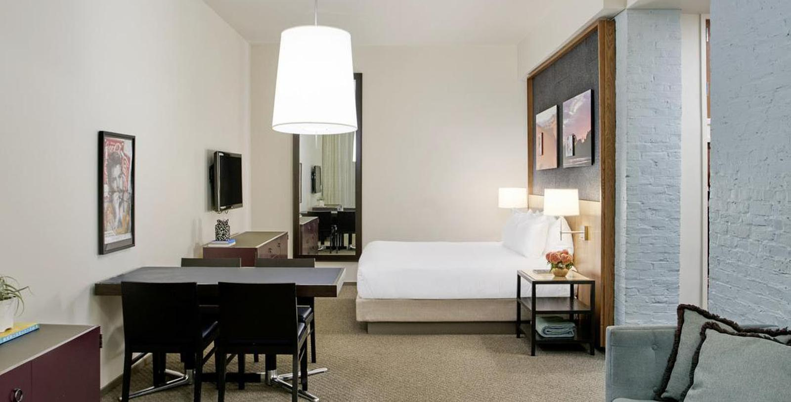 Image of guestroom 21c Museum Hotel Louisville by MGallery, 1800, Member of Historic Hotels of America, in Louisville, Kentucky, Location Map