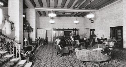 seattle hotels mayflower park hotel. Black Bedroom Furniture Sets. Home Design Ideas